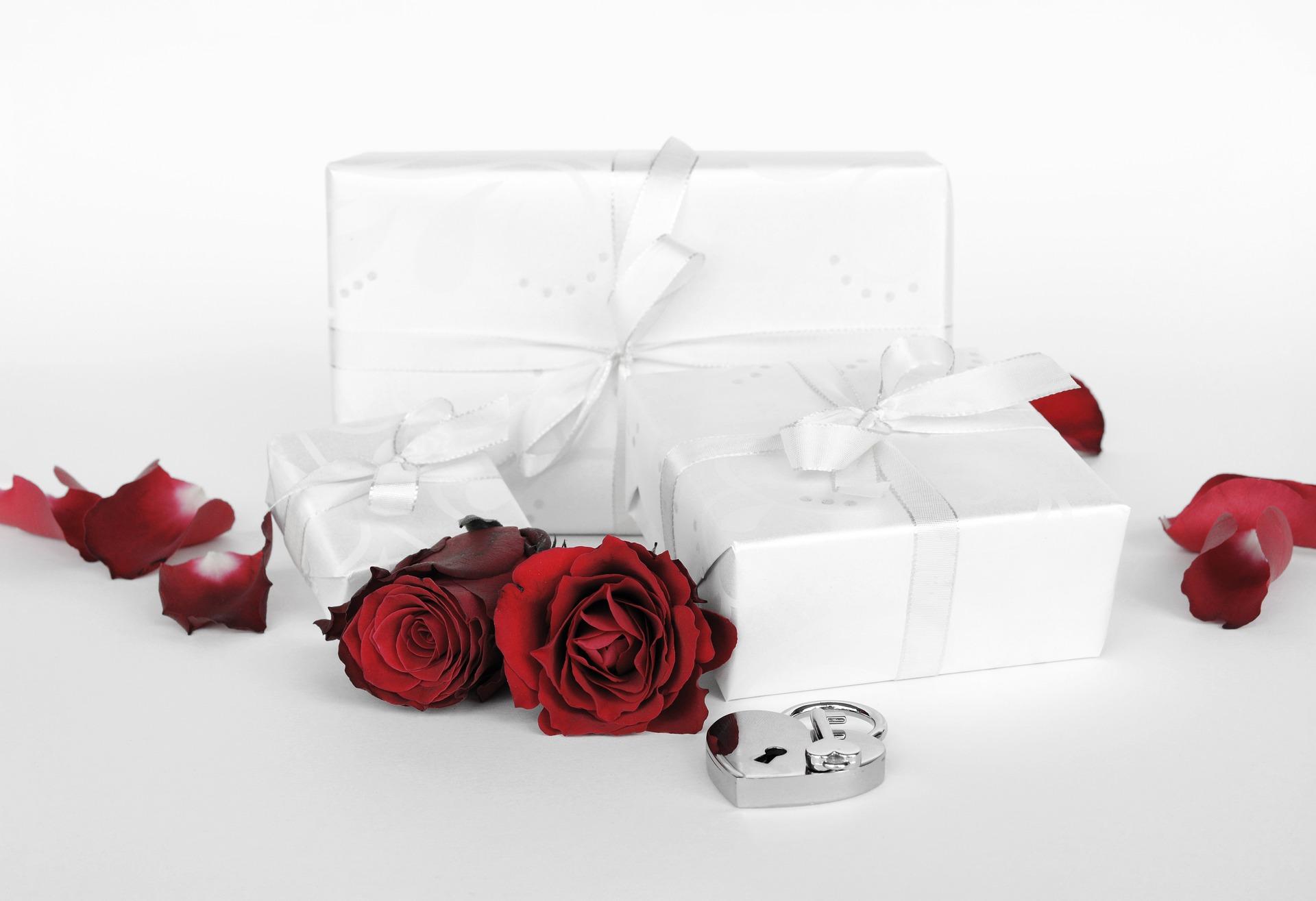 Wedding Gift Ideas for Bride Groom